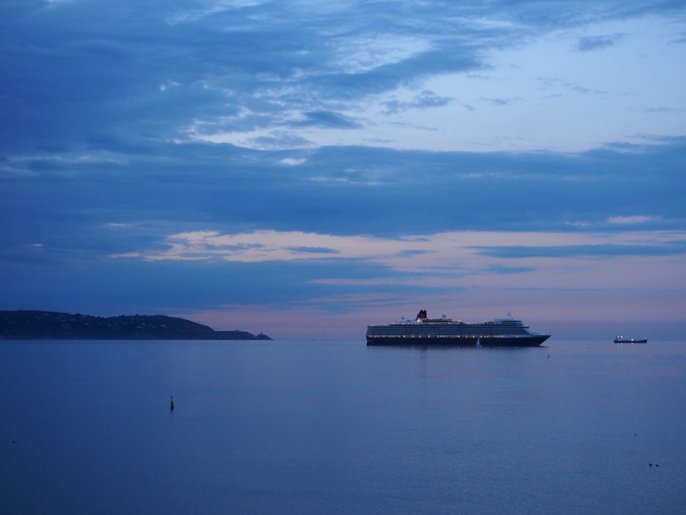 QE2 Forty Foot