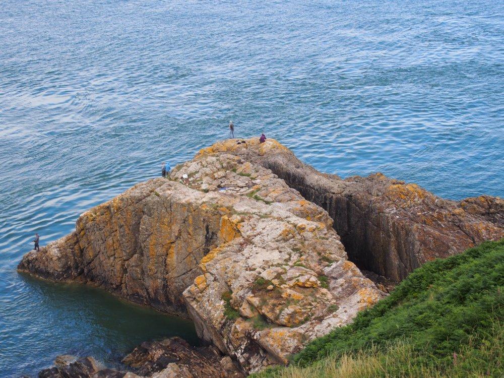 Howth pêcheurs rocher