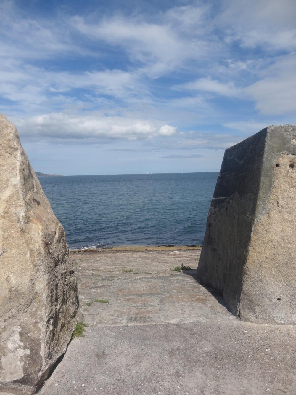 Dùn Laoghaire pier