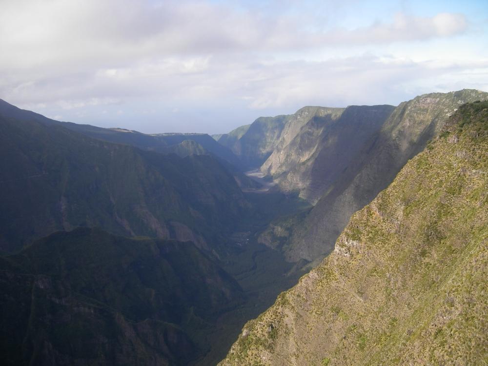 Le nez de boeuf - vue sur la rivière des rempartsles hautes plaines - île de la reunion